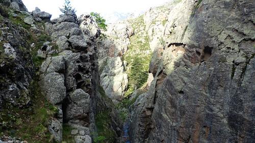 Le ravin du ruisseau de Paradella à la barre -abyssale-
