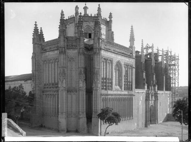 San Juan de los Reyes a comienzos del siglo XX. Fotografía de J. Lacoste © MECD, Fototeca del IPCE, signatura VN-22583_P