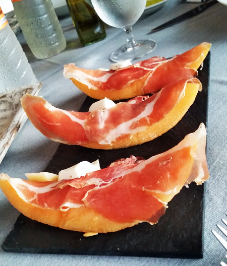 cured-meats-cantaloupe