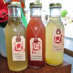 produce(0.0), food(0.0), liqueur(1.0), bottle(1.0), lemonade(1.0), drink(1.0), juice(1.0),