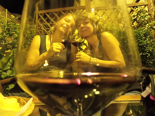 Un brindisi col vino a Santarcangelo by Ylbert Durishti