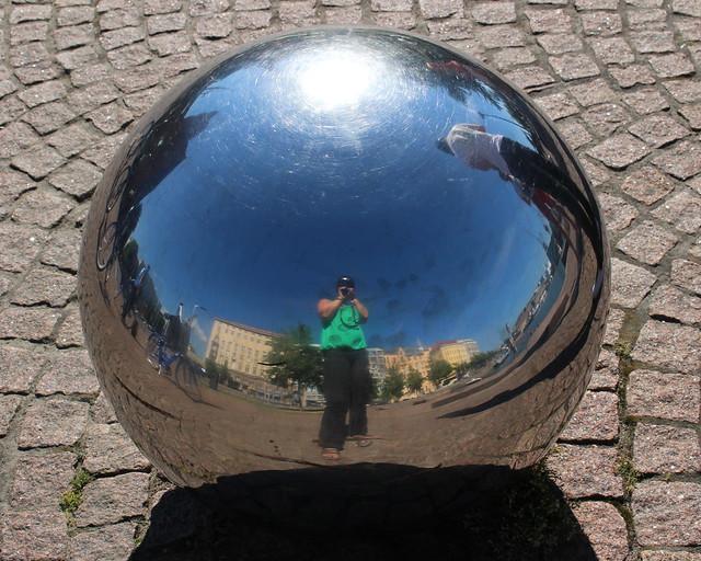 metal_ball_reflection