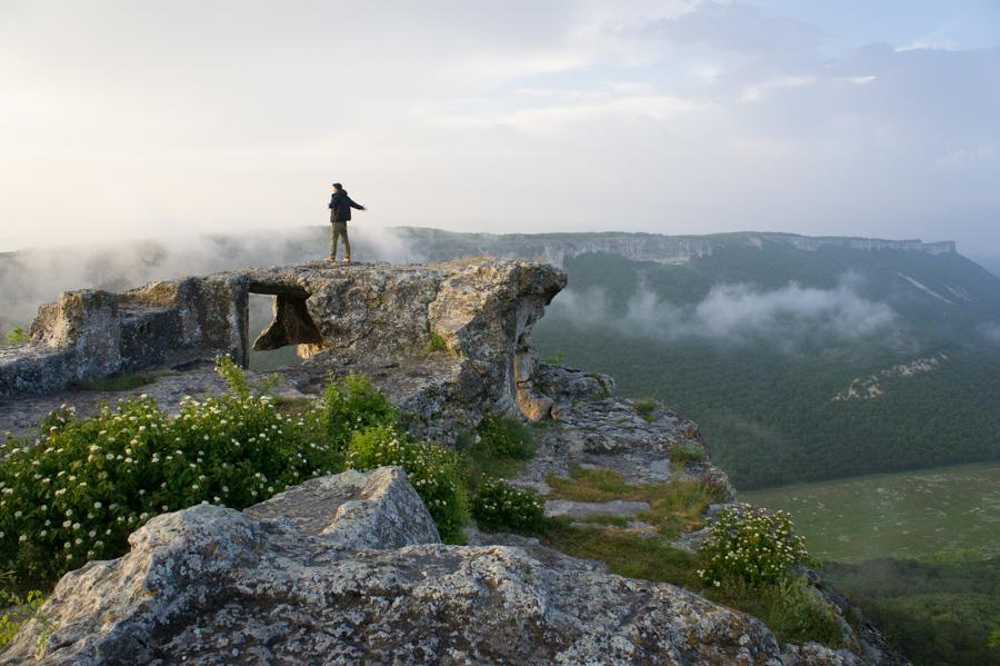 Состояние... Мангуп-Кале, Крым © Kartzon Dream - авторские путешествия, авторские туры в Индию, тревел видео, фототуры