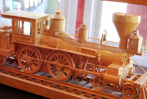 Ripley's - train made from matchsticks-001