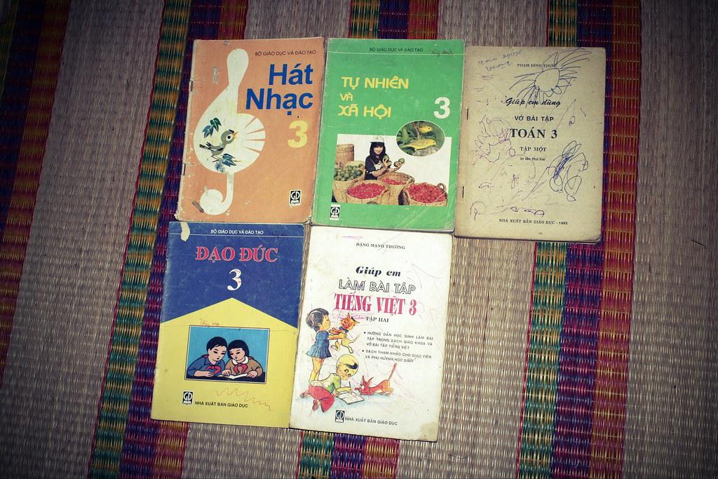 Sách giáo khoa tiểu học cũ - nơi lưu giữ từng trang ký ức 14705360880_b0ca5360c7_b