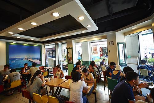 高雄-丹丹漢堡-西子灣店-麵線羹-炸雞 (2)