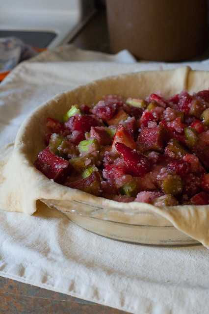 strawberry-rhubarb-pie-2
