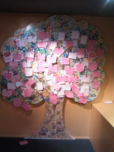 L'arbre à messages d'amour (Dijon)