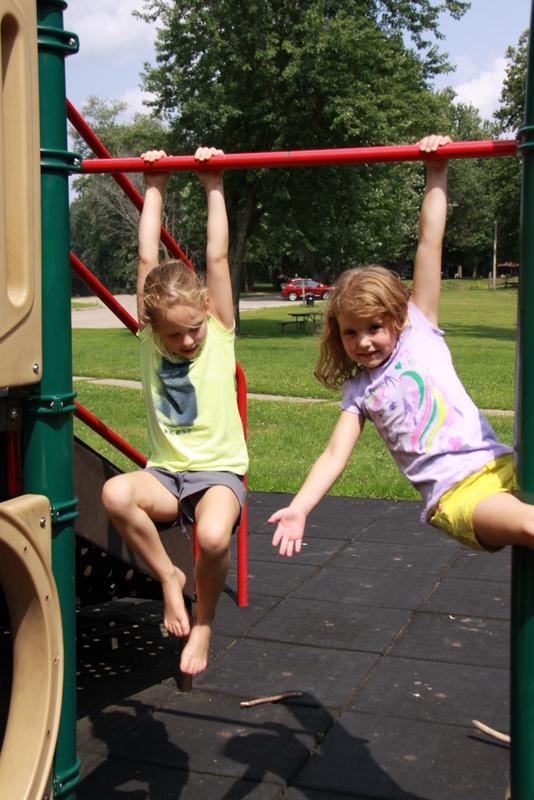 friends at park (9)