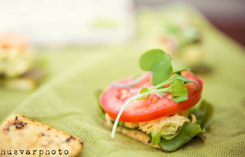 tuna salad cracker in_the_know_mom #BumbleBeeB2S
