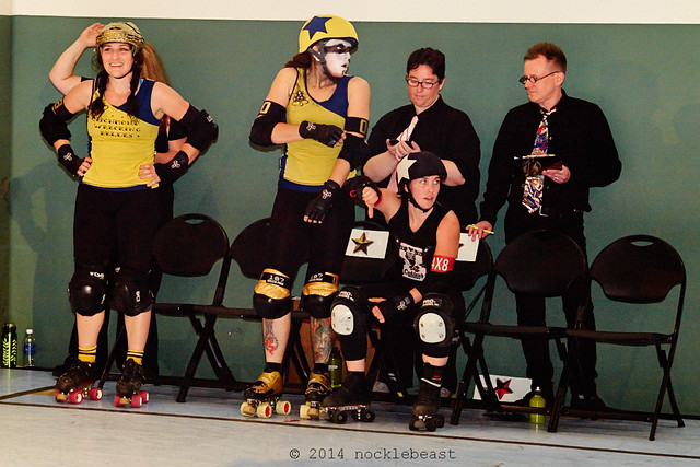 what? I'm just standing here as a roller girl and a jammer!