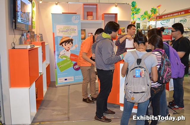Learning activity at Goethe-Institut Exhibit Booth