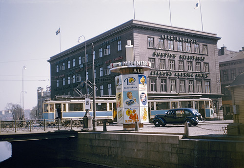 vintage foto sweden schweden litfasssäule farbfoto göteburg riksantikvarieämbetet aerotransport theswedishnationalheritageboard