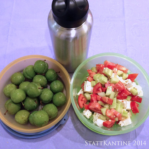 StattKantine 06.10.14 - Griechischer Salat, Reneclauden, Apfelsaft