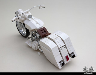 Harley Davidson Road King 'White Noise'