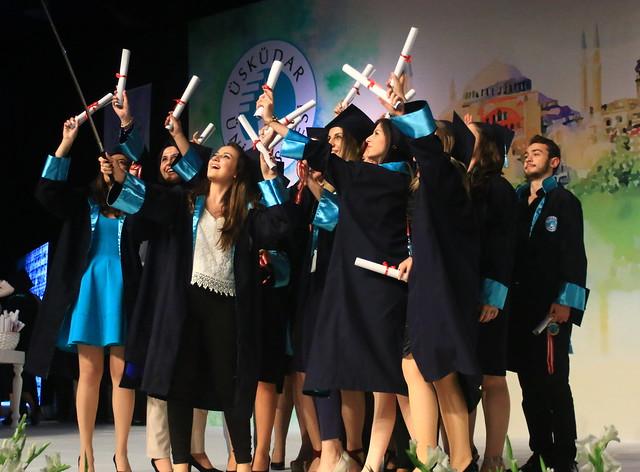 Üsküdar Üniversitesi 2015 ön lisans ve yüksek lisans mezunlarını verdi 6