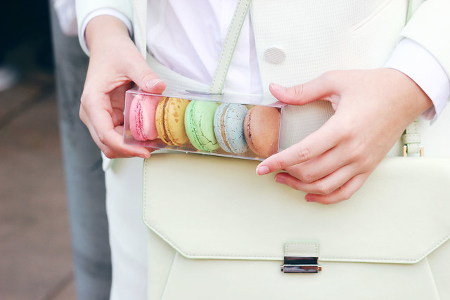 Reiss Take Five Macarons