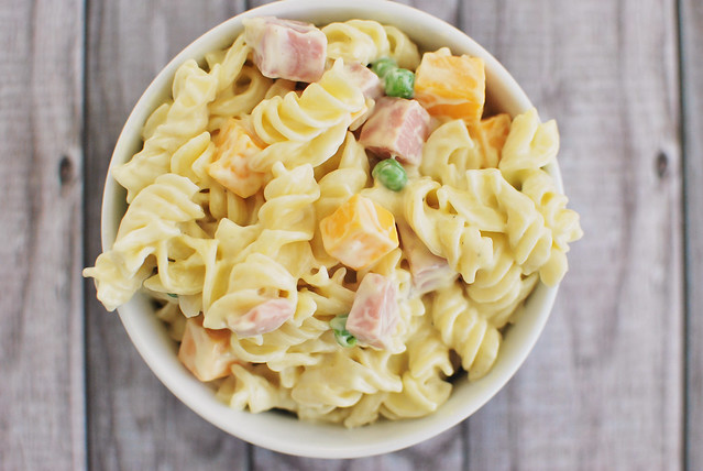 Macaroni Salad - the perfect spring or summer side dish! Especially at BBQs!