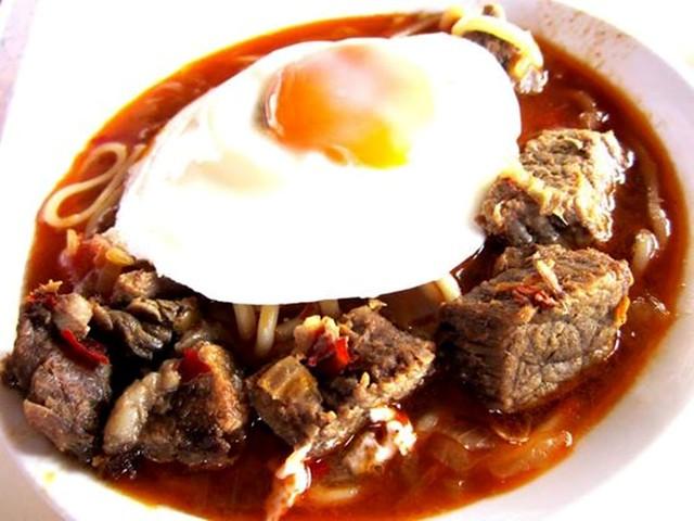 Payung Mahkota beef noodles 1