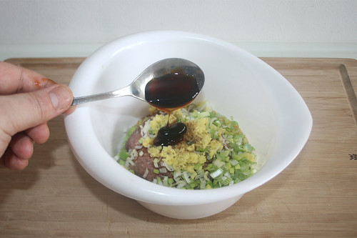 25 - Mit Sojasauce, Sesamöl & Austernsauce würzen / Season with light soy sauce, sesamum oil & oyster sauce