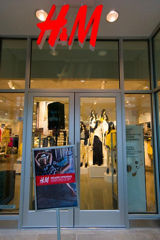 H&M La Cantera San Antonio Entrance
