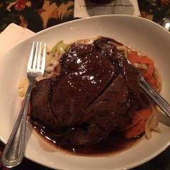 gravy(1.0), meal(1.0), steak(1.0), beef tenderloin(1.0), food(1.0), pot roast(1.0), dish(1.0), cuisine(1.0), venison(1.0), brisket(1.0), roast beef(1.0),