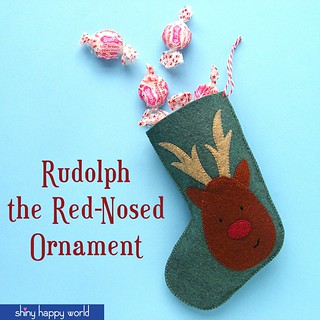 Free pattern - reindeer mini stocking ornament