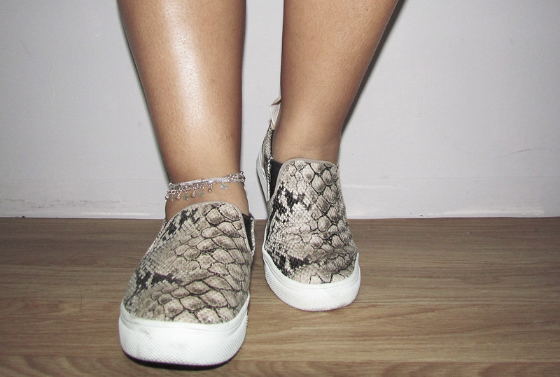 h&m, sportsluxe,fashion, blogger, streetstyle, sporty, laid back, relaxed, slip ons, snake print