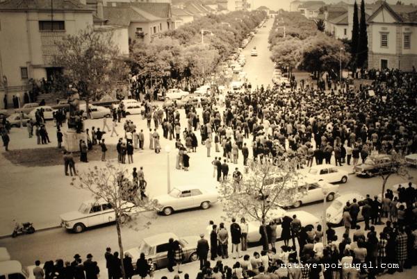 25 - 25 апреля 1974 года - революция гвоздик в Португалии - Каштелу Бранку
