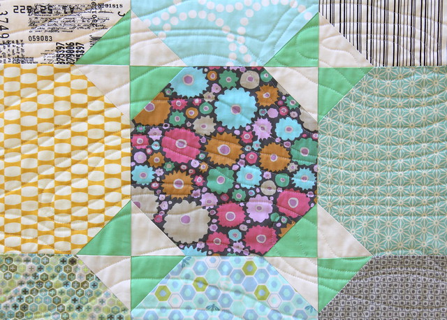 Snowball Quilt Tutorial - Finished Quilt Pic 3