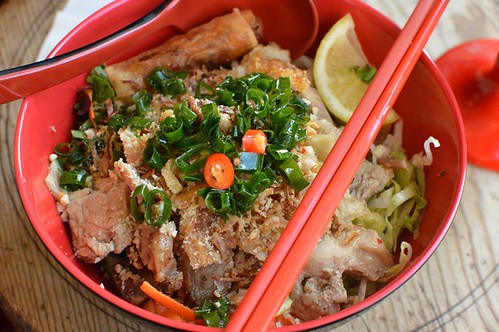 Great Aunty Three: Vermicelli noodle salad with roast crackling pork
