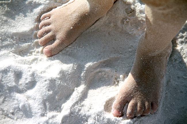 Aut-sandy-toes