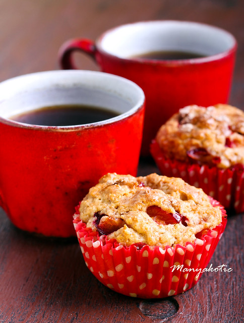 Wholemeal plum muffin