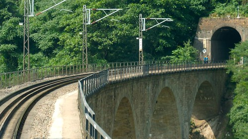 神沙河铁路桥。