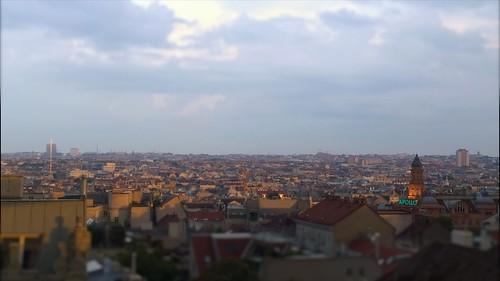 Blick über den Süden Wiens von der Akakiko-Dachterrasse.