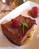 Vanílias krém csokoládés piskótán, málna-áfonya-ibolya fagylalttal