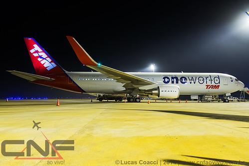 Boeing 767-300ER TAM Linhas Aéreas PT-MOC