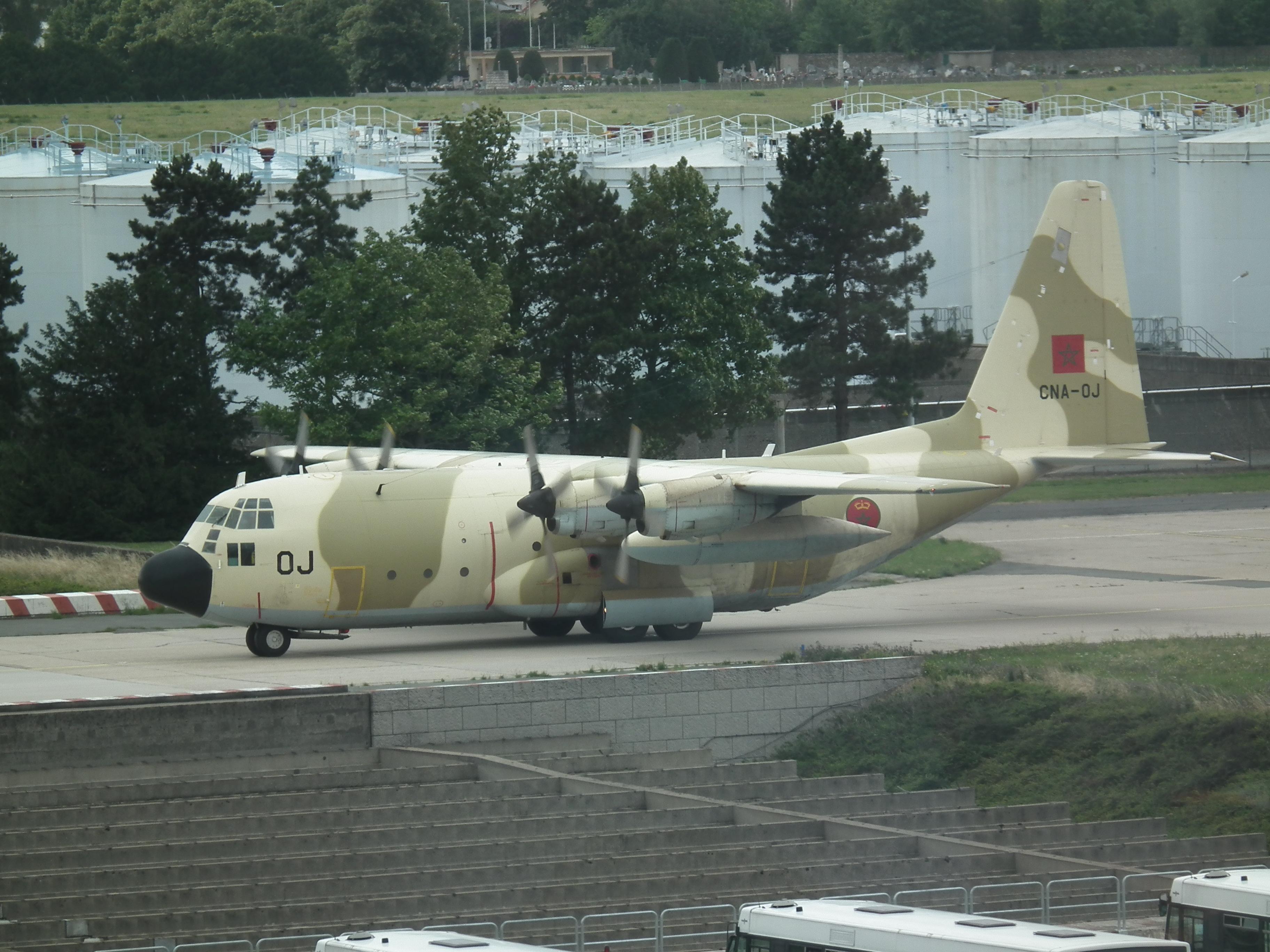 FRA: Photos d'avions de transport - Page 20 14919105805_f36f076174_o