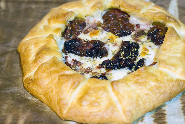 Dried tomato, mozzarella and bacon galette