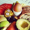 Happy Breakfast ... enjoy your weekend.  #Breakfast #Brunch #Food #Foodporn #Morning #Love #Egg #Avocado #Tomato #Apple #Bread #Olives #Morninglight #Motivation