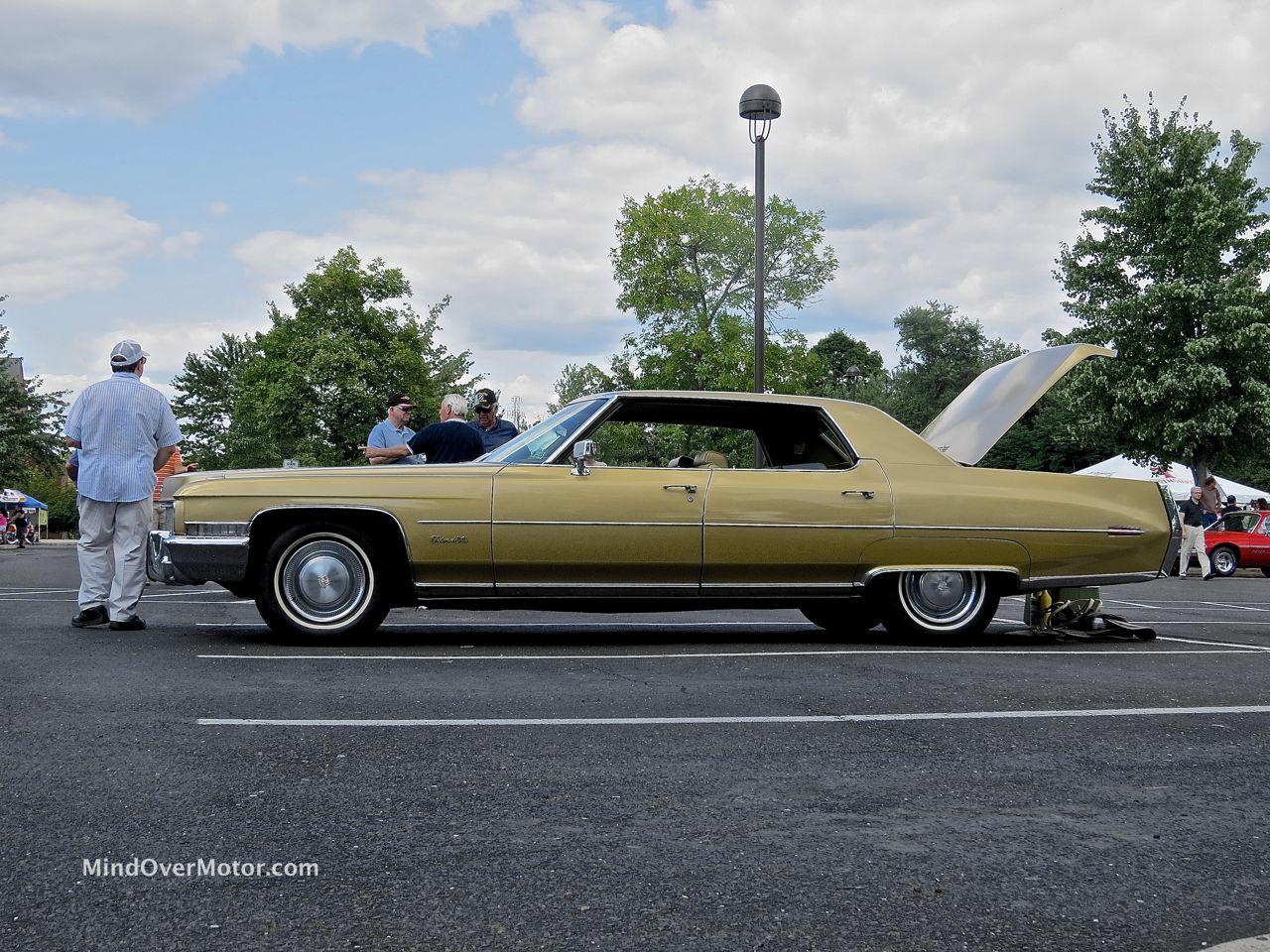 1971 Cadillac Sedan DeVille Profile