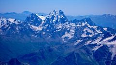 Widok na Uszbę z trawersu (5100m) nad Skałami Pastuchova.