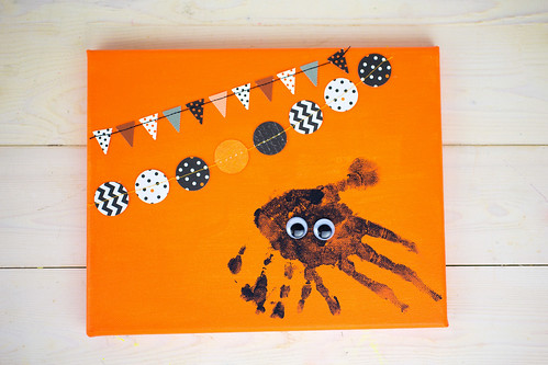 Spider Handprint Halloween Craft - Step 3