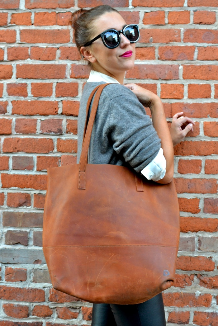 Christine-Cameron-My-Style-Pill-Buttoned-Up-Everlane-FashionAble-Tote3