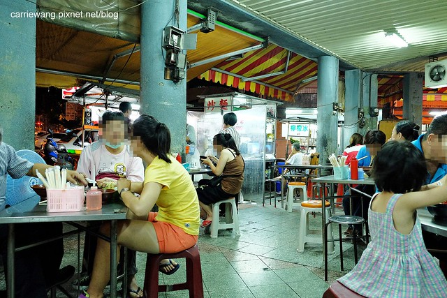 【台中小吃美食】柳川素食麵。第二市場人氣嗆嗆滾的素食麵攤,晚上才有營業,便宜好吃,CP值也高 @ 飛天璇的口袋 :: 痞客邦