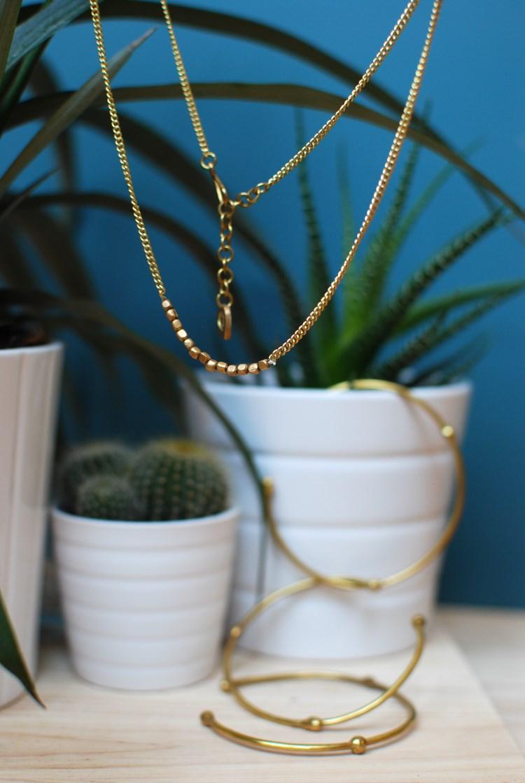 Minimal fairtrade necklace