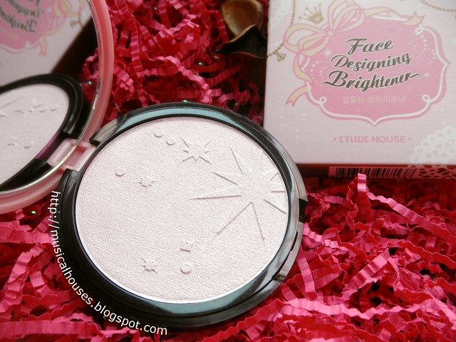 Etude House Face Brightening Designer Highlighter Dollyface Close