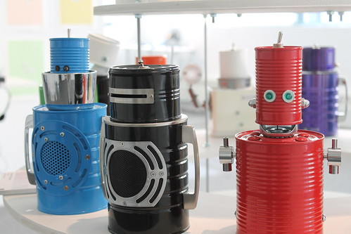Powder coated tin can robots