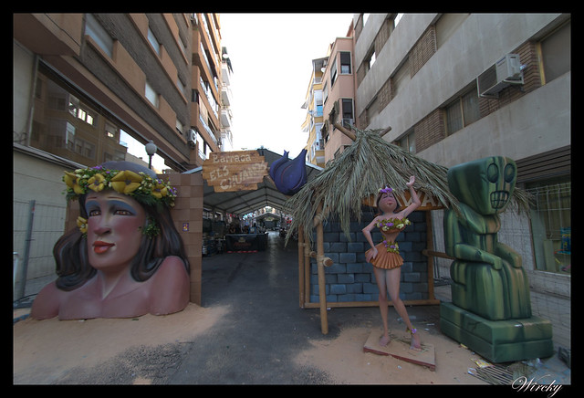 Hogueras Alicante que debes saber - Barraca