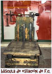de ferrocarriles y otros utensilios de la estaciones